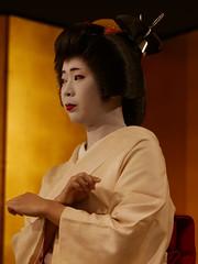 The Geiko Ichitomi of Gion (Rekishi no Tabi) Tags: geiko geisha gion gionkobu kyoto leica japan ichitomi