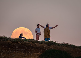 Full moon rise @ Freshwater Cliff