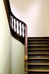 Stairs (just.Luc) Tags: stairs trap escalier treppe trapleuning banister wood hout holz bois museum musée museo mmuseumleuven leuven louvain löwen vlaamsbrabant vlaanderen flanders flandres europa europe belgium belgië belgique belgien belgica