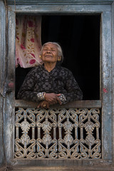 (silvia pasqual) Tags: nepal nepali asia asian people portrait portraiture world soul human face reportage documentaries woman elderly old travel traveling travelers canon photo photography photos smiling window home
