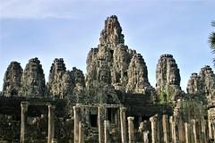 Bayon temple,  Angkor Thom - Cambodia (hervétherry) Tags: asie cambodge cambodia angkor angkorwat angkorvat siemreap canon eos 300d 1855 temple