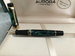 styloplume aurora fountainpen optima