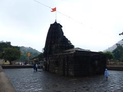 Amruteshwar Temple (rajkumardongare) Tags: ratangad amruteshwar temple ratanwadi ratanvadi bhandardara