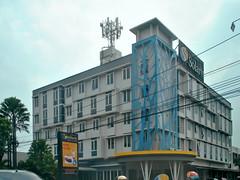 Hotel Solaris Malang (Everyone Sinks Starco (using album)) Tags: eastjava jawatimur building gedung arsitektur architecture hotel malang