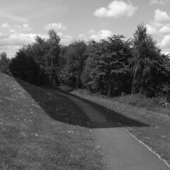 angel of the north (the incredible how (intermitten.t)) Tags: angelofthenorth sculpture publicart newcastleupontyne anthonygormley sky shadow 20170603 11842 bw