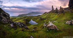 Old Man of Storr (Stefan Liebermann) Tags: nature natur landscape landschaft schottland isleofskye scotland skye panorama panoramic light lights clouds cloud wolken himmel sky sun sonne dawn morning sunrise sonnenaufgang rock felsen lake see trotternish hebrides highland