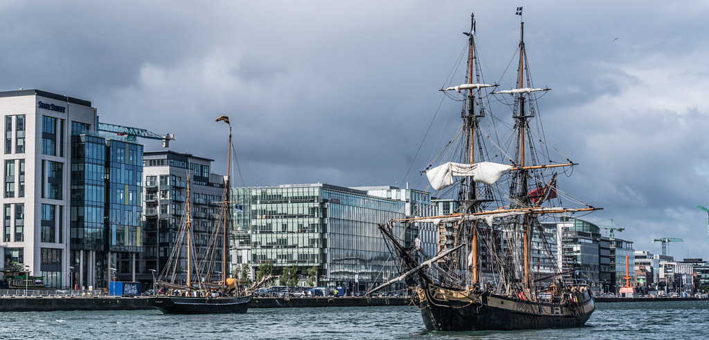 THE PHOENIX LEAVES DUBLIN PORT [DUE TO VISIT DROGHEDA LATER IN THE WEEK]-129432