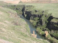 Akhurian River (Alexanyan) Tags: ախուրյան akhurian akhuryan river turkish armenian border ruin bridge western armenia turkey hayasdan բագրատունյաց հայաստան