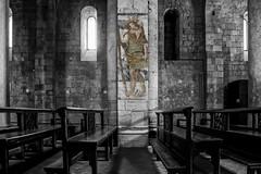 Abbazia di S.Antimo- Luci, ombre e colori (Renato Pizzutti) Tags: toscana abbaziadisantimo abbazia complessomonastico interni affresco struttura luci ombre colori colonne panche nikon renatopizzutti