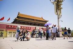 Selfie, Selfie, Selfie (sunnywinds*) Tags: beijing tiananmen impression china sunny people travel photography leica leicam leicaimages 北京 中國 天安門 中国 印象 iconic