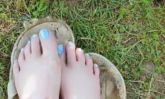 20160508_101559 feet (tammye*) Tags: feet foot pedicure pedi toes painted nails polished blue barefoot