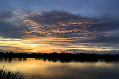 Sunset over Mekong in Phon Phisai 2017-6-29 4e (SierraSunrise) Tags: mekong mekongriver nongkhai phonphisai reflections rivers skies sunset thailand water