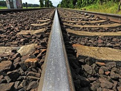 wanderlust, Fernweh, Urlaubszeit. (Wallus2010) Tags: train wanderlust schiene eisenbahn gleiskörper gleis perspektive
