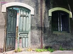 Lo que en otro tiempo fue (Mariví13) Tags: ventana puerta pirineos tren españa huesca aragón spain fantasma abandonado estación canfranc