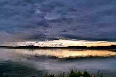 the window (Elahe Dastgheib) Tags: elahe nature light window cloud dark grey dancing head rain storm lake fönster ljus hopp grå mörk sjö sverige sweden stockholm