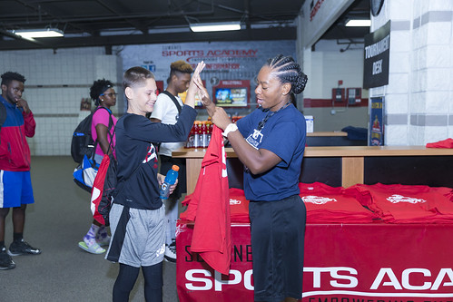 """170610_USMC_Basketball_Clinic.039 • <a style=""""font-size:0.8em;"""" href=""""http://www.flickr.com/photos/152979166@N07/34478873283/"""" target=""""_blank"""">View on Flickr</a>"""