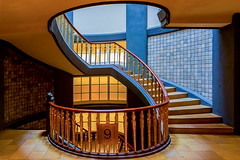 9 (Maerten Prins) Tags: germany duitsland deutschland hamburg stair stairs stairwell spiral brown 9 tiles shadow curve curves mesberghof kontorhaus wenteltrap architecture