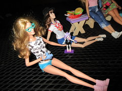 Happy Independence Day! (CatsandCollections) Tags: disneystore disney disneyfilmcollection belle caitlin platinumpop catsandcollections barbielook barbiestyle barbiecollector blacklabel barbie barbiefashionistas evans caitlinevans everydaychic 4th happy4th rose rosejay jayfamily lynnjay