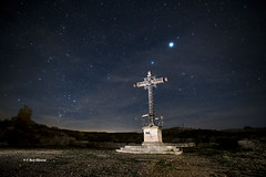 La noche recuerda a los caidos (VRuizOlivares) Tags: nocturna largaexposicion puebloabandonado nikon night longexposure abandonedvillage