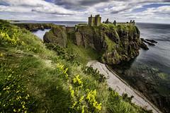 Scotland_dunottar_castle_1