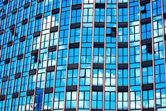 Como uma onda no mar (Anselmo Portes) Tags: window windows blue azul abstract abstrato lines curves architeture arquitetura sãopaulo brazil brasil janela janelas square