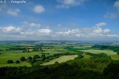 Landschaft / Landscape (R.O. - Fotografie) Tags: landschaft landscape wolken clouds blau blue grün green ausblick marienmünster nieheim sonne sun summer sommer rofotografie panasonic lumix dmcfz1000 dmc fz1000 fz 1000 outdoor