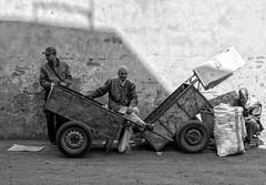 de espera (marian62´: )) Tags: marruecos marrakech zoco africa blanco y negro viaje