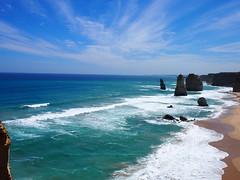 The twelve apostles (Narumi Sakamoto 「坂本なるみ」) Tags: オーストラリア 留学 theagreatoceanroad australia melbourne southaustralia beautiful beach sky blue twelveapostles missingit