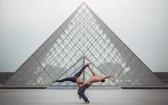 (dimitryroulland) Tags: nikon d600 dimitry roulland lelouvre louvre paris france urban city architecture dance dancer yoga gym gymnast gymnastics sport performer art couple duo