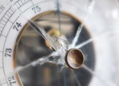 Broken barometer (Maria Eklind) Tags: macro makro closeup broken macromondays barometer