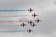RAFCosfordAirshow2017-159 (mcaviationphoto) Tags: rafcosford rafcosfordairshow theredarrows royalairforceaerobaticteam rafat rafscampton uk unitedkingdom britisharmedforces raf royalairforce aerobatic aerobaticteam militaryaerobaticdisplayteam baehawkt1 baesystemshawkt1 baehawkt1a baesystemshawkt1a baehawk baesystemshawk bae baesystems hawkersiddeleyhawk hawkersiddeleyhs1182hawk britishaerospace hawkersiddeley baesystemsmasdivision baesystemsmilitaryairsolutionsdivision jet militaryjet trainer militarytrainer militaryjettrainer advancedtrainer advancedjettrainer militaryadvancedjettrainer