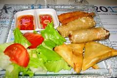 Yzeron (Rhône) (Cletus Awreetus) Tags: restaurant commerce aliment plat nem samoussa beignet crevette cuisineasiatique sauce