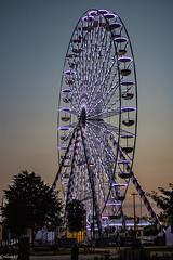 Grande roue au coucher du soleil. (Crilion43) Tags: normandie région spectaclederue feuillesfeuillage granderoue ciel paysages cabourg fête nuages villes