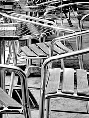 au table (Harry Halibut) Tags: 2017©andrewpettigrew allrightsreserved contrastbysoftwarelaziness noiretblanc blackwhite blancoynegro blanc weiss noire schwatz bw zwart wit bianco nero branco preto imagesofsheffield images sheffieldarchitecture sheffieldbuildings colourbysoftwarelaziness south yorkshire sheffield curved corners zoombys cafe coffee chairs tables winter gardens north end internal wood grain steel aluminium sheff1706250273ix