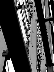 structure #5025 (Harry Halibut) Tags: 2017©andrewpettigrew allrightsreserved contrastbysoftwarelaziness noiretblanc blackwhite blancoynegro blanc weiss noire schwatz bw zwart wit bianco nero branco preto imagesofsheffield images sheffieldarchitecture sheffieldbuildings colourbysoftwarelaziness south yorkshire sheffield curved corners sheff1706250251ix winter gardens end wall windows glass steelwork framework