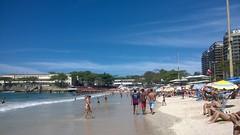 PRAIA DE COPACABANA - RIO DE JANEIRO-RJ - BRASI (isaque_almeida...........registrando momentos) Tags: copacabana rio janeiro brasil azul mar pesssoas banhistas orla