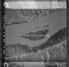 No ref (05807 of 'Telbis-Ana-Haditha Islands' roll) Haditha Island (APAAME) Tags: blackwhite cellulosenegative royalairforce scannedfromnegative siraurelstein uclinstituteofarchaeology uclinstituteofarchaeologyspecialcollections vertical aerialarchaeology aerialphotography middleeast airphoto archaeology ancienthistory