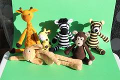 IMG_0298 (korova08) Tags: crochet amigurumi tigre girafe monstre gentil loup singe