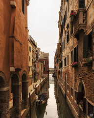 The missing gondolier (BAN - photography) Tags: venice canal bridge gondola washing windowboxes flowers bricks water d810 arches architecture pylons
