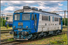 60-1356-9 (Zoly060-DA) Tags: romania cluj napoca electroputere craiova co 2100 hp diesel locomotive swiss brown boveri license construction ae 66 cfr calatori depot ploiesti 60 1356 9 blue white green sky cloud clouds railway rails lines platform station classic maschine engine sulzer