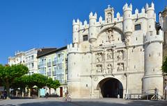 Puerta arco de Santa María, Burgos. (eustoquio.molina) Tags: puerta arco santa maría burgos monumento monument door