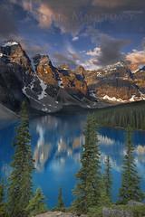 Moraine Lake - Banff NP - Canada (Gaston Maqueda) Tags: moraine banff canada alberta landscape paisaje amanecer sunrise lago lake mountains montañas alpino alpine light luz