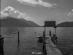 Menaggio - Porticciolo con vista (iw2ijz) Tags: menaggio lago lombardia lake lecco como lagodilecco pontile attracco imbarcazioni boat bw biancoenero