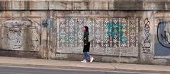 Patterns (edk7) Tags: olympuspenliteepl5 edk7 2017 canada ontario toronto bloordalevillage wallaceemersonneighbourhood bloorstreetwest westtorontorailpath railway underpass cpr up graffiti streetart pattern person female sidewalk pavement publicart art abstract