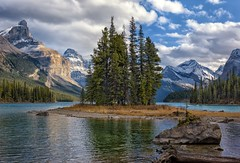 Heavenly (Philip Kuntz) Tags: spiritisland malignelake malignelakecruises canadianrockies jaspernationalpark jasper alberta canada