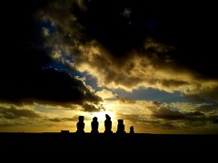 Hangaroa_Sunset_easter_island (ruben25x12) Tags: isladepascua easterisland easter polinesia polynesia moai islapajaro orongo ranoraruka marae cultura akivi hangaroa chile anakena
