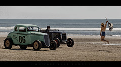 Game On (Whitney Lake) Tags: girl car checkeredflag automobile antique classic dragrace atlantic ocean beach southjersey newjersey wildwoods 2017 theraceofgentlemen trog