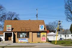 C & G's Liquor, Milwaukee Wisconsin (Cragin Spring) Tags: midwest milwaukee milwaukeewi milwaukeewisconsin wisconsin wi city urban unitedstates usa unitedstatesofamerica cgsliquor liquor liquors liquorstore store building sign