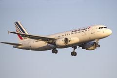 F-GKXV   Air France   Airbus A320-214   CN 4084   Built 2009   BCN/LEBL 28/03/2017 (Mick Planespotter) Tags: aircraft airport 2017 nik sharpenerpro3 a320 fgkxv air france airbus a320214 4084 2009 bcn lebl 28032017 barcelona elprat
