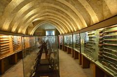 Musée de L'Emperi (RarOiseau) Tags: salondeprovence bouchesdurhône musée histoire armes intérieur